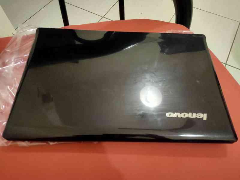 Lenovo laptop for sale.