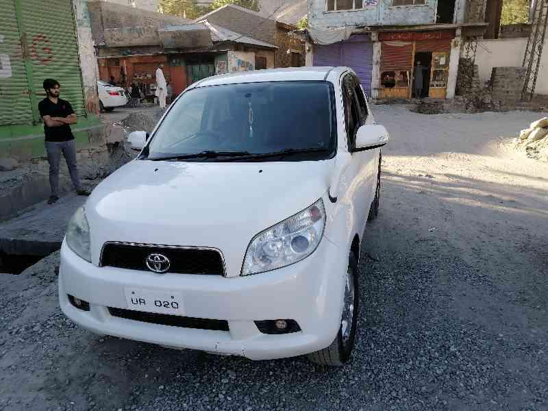 Toyota rush 2006-7