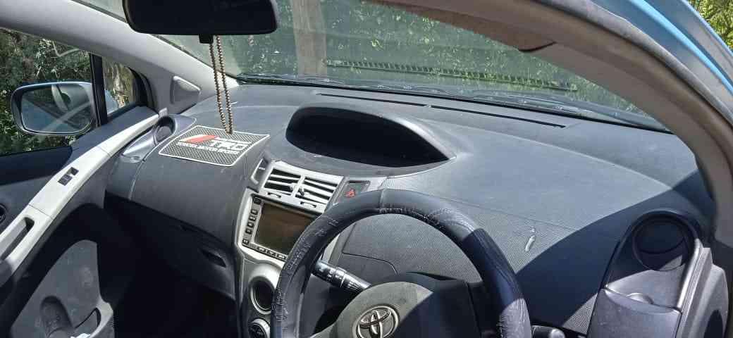 Toyota vitz 2005