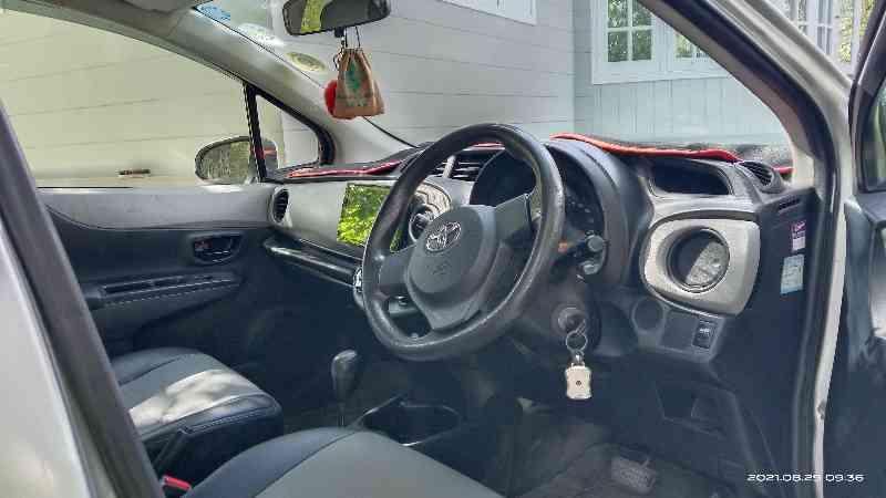 Toyota vitz 1000 cc 2012 model